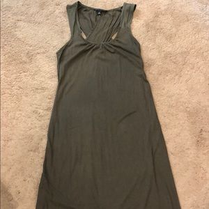 Olive maxi dress Banana Republic XS petite hem
